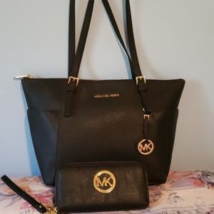 Michael Kors tote bag with free wallet